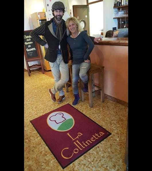 asciugapasso personalizzato con logo del locale La collinetta