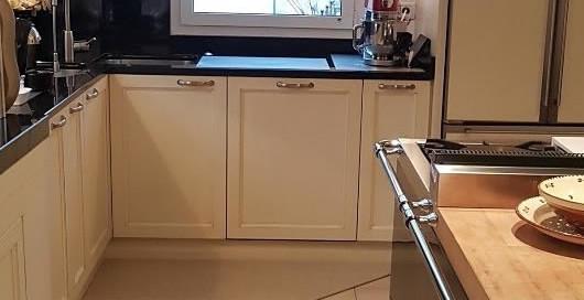 tappeto da cucina sagomato realizzato dalla ditta Zerbini Personalizzati Celli