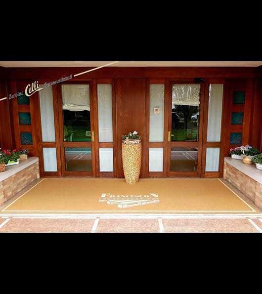 tappeto personalizzato da esterno con logo della ditta Francesco Imballaggi