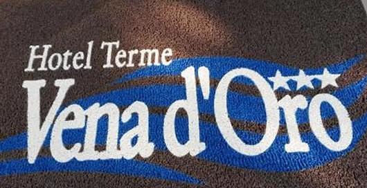 zerbino personalizzato da esterno con logo dell'Hotel Terme Vena d'Oro