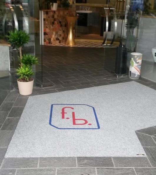 zerbino personalizzato aziendale con logo della ditta f.b