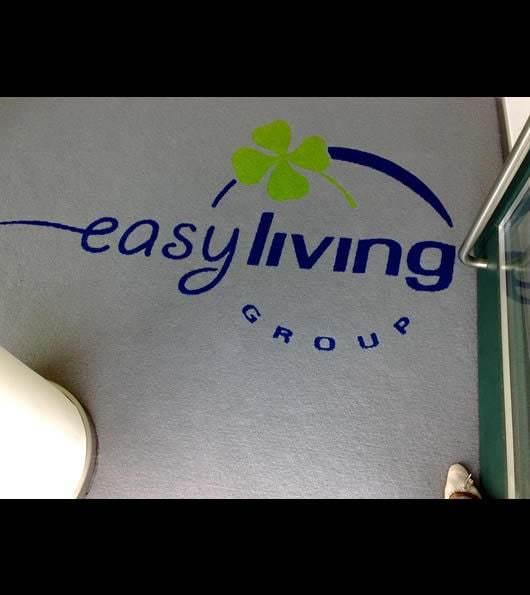 zerbino personalizzato con logo della ditta easy living group